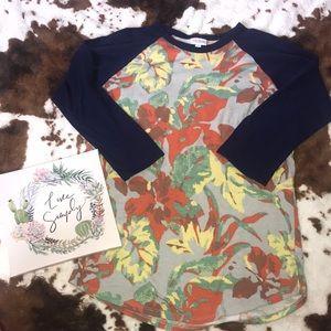 LuLaRoe size medium shirt 💕
